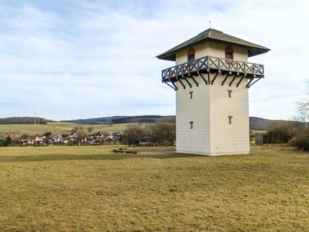 ricostruzione della torre di guardia romana