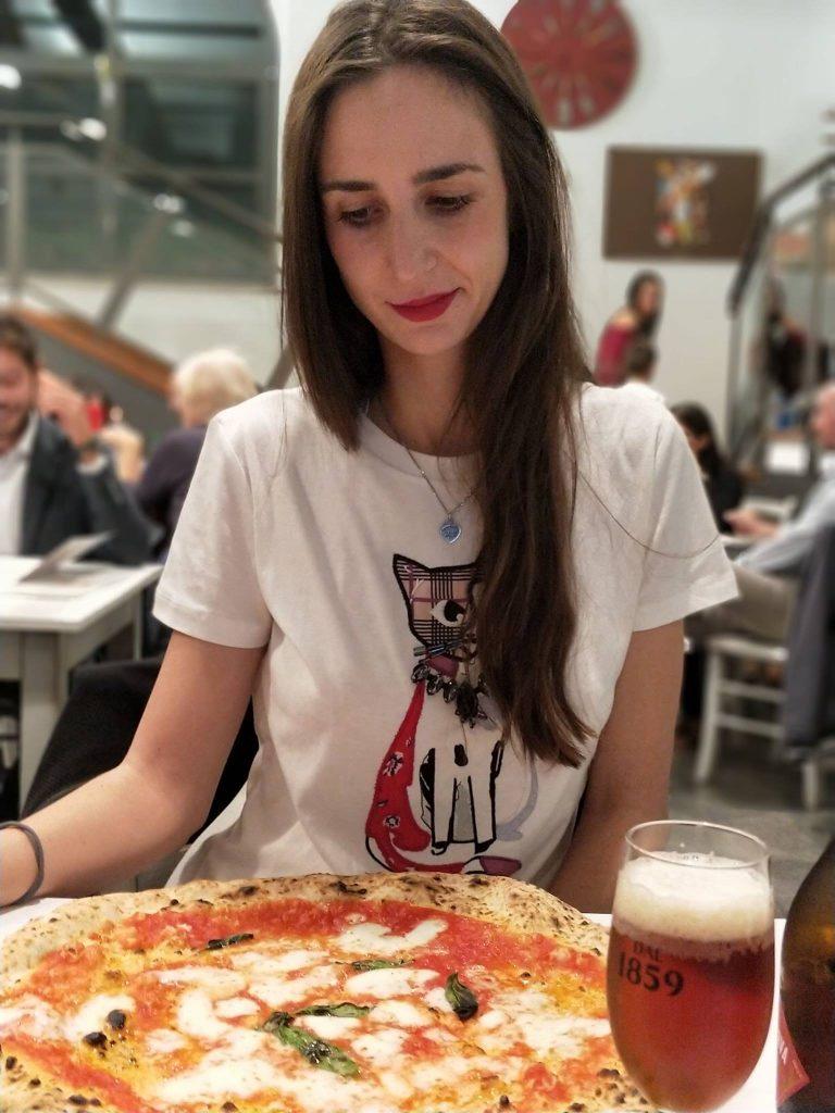 LA PIZZA A NAPOLI - ANTICA PIZZERIA DA MICHELE