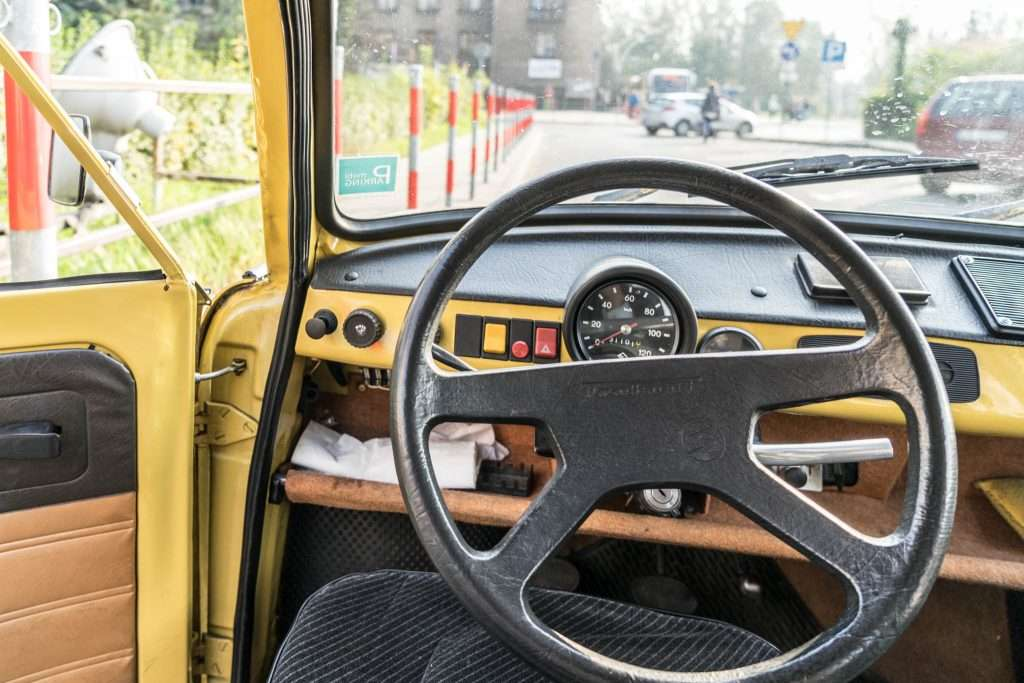 CRACOVIA – A BORDO DI UNA TRABANT CON CRAZY TOUR GUIDES