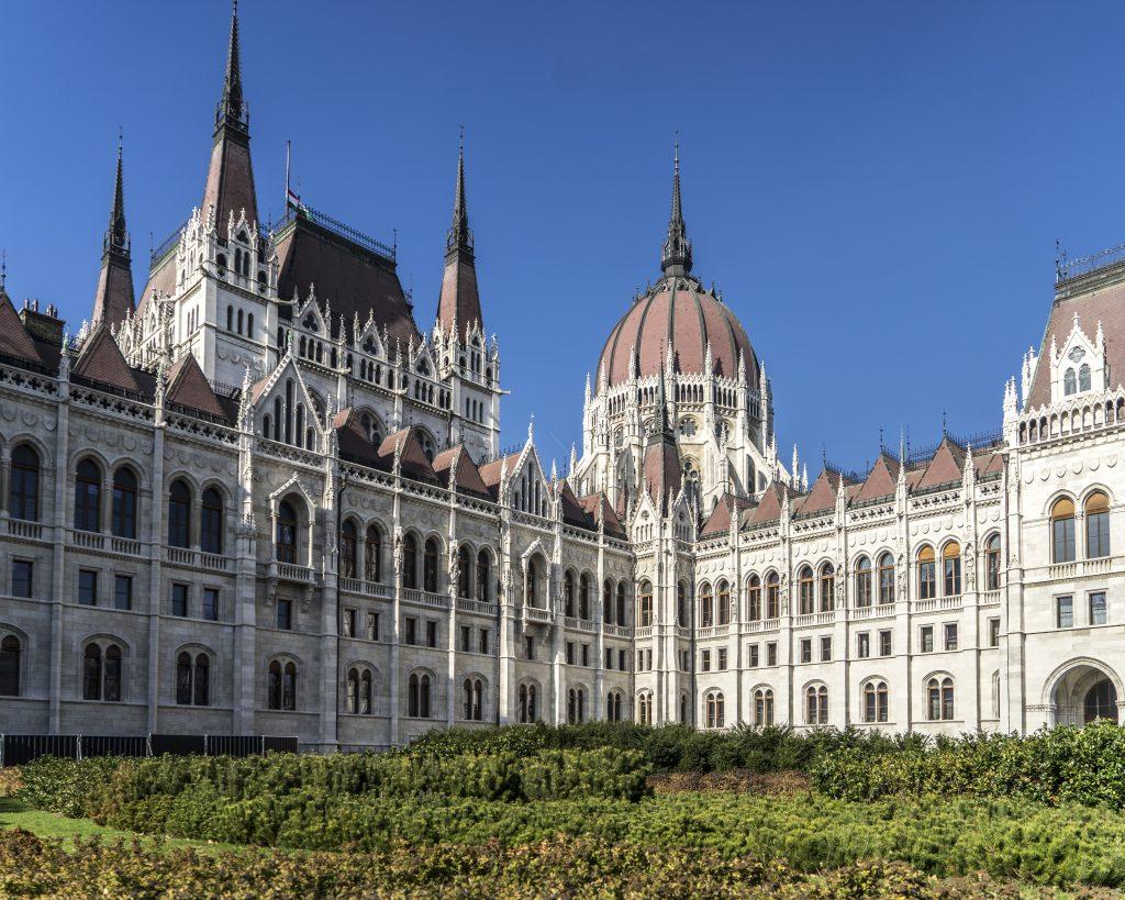 Budapest alla scoperta della perla del danubio ruberry for Parlamento on line