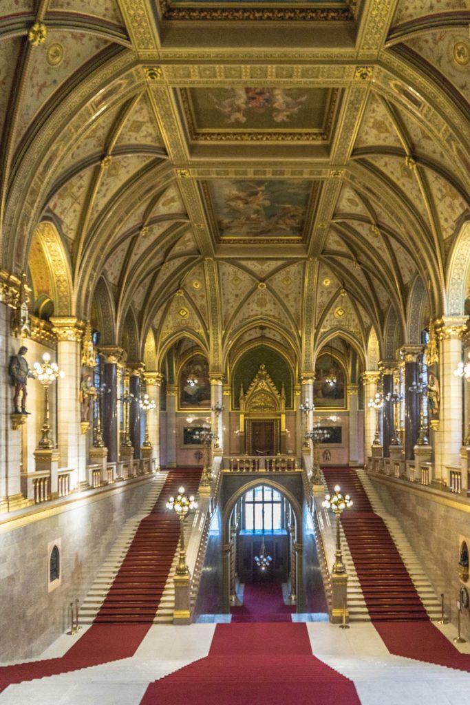 BUDAPEST - VISITARE IL PARLAMENTO EUROPEO