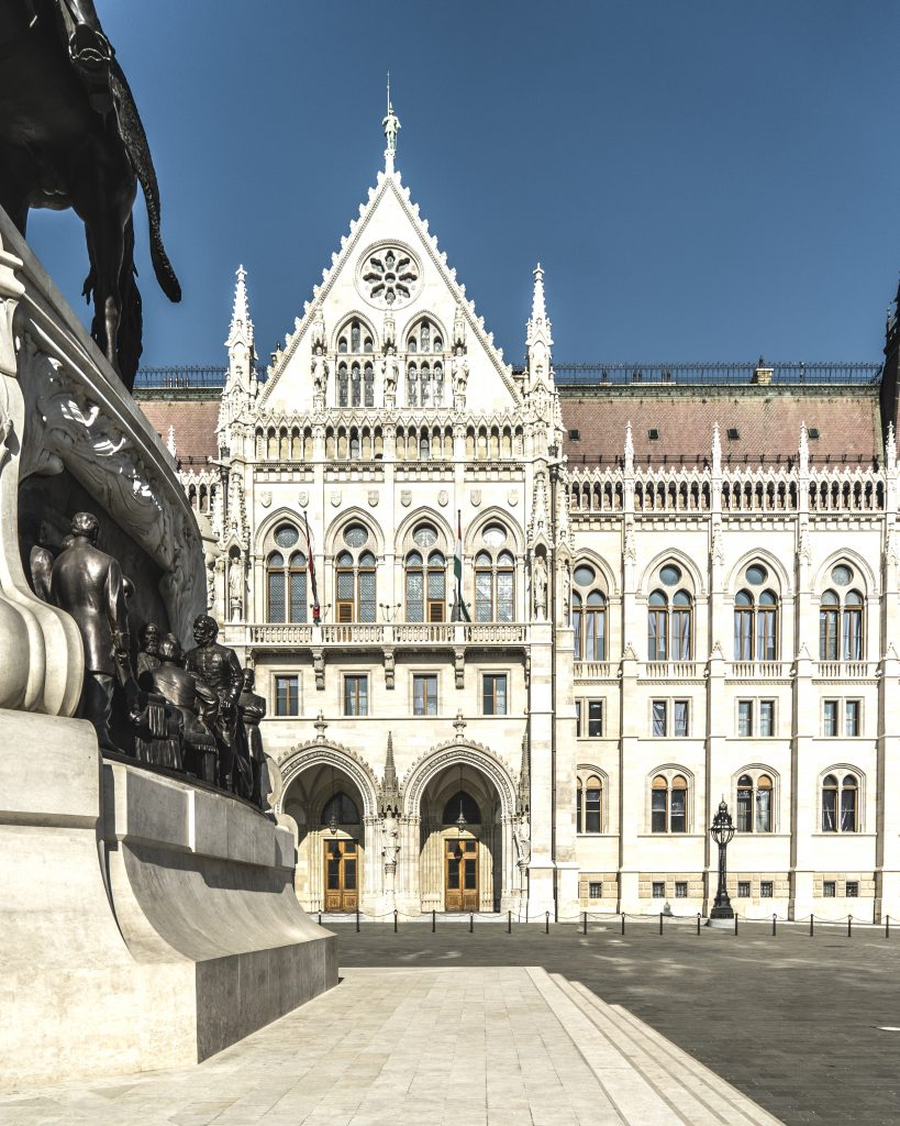 BUDAPEST – RICCA DI STORIA E CULTURA Ruberry