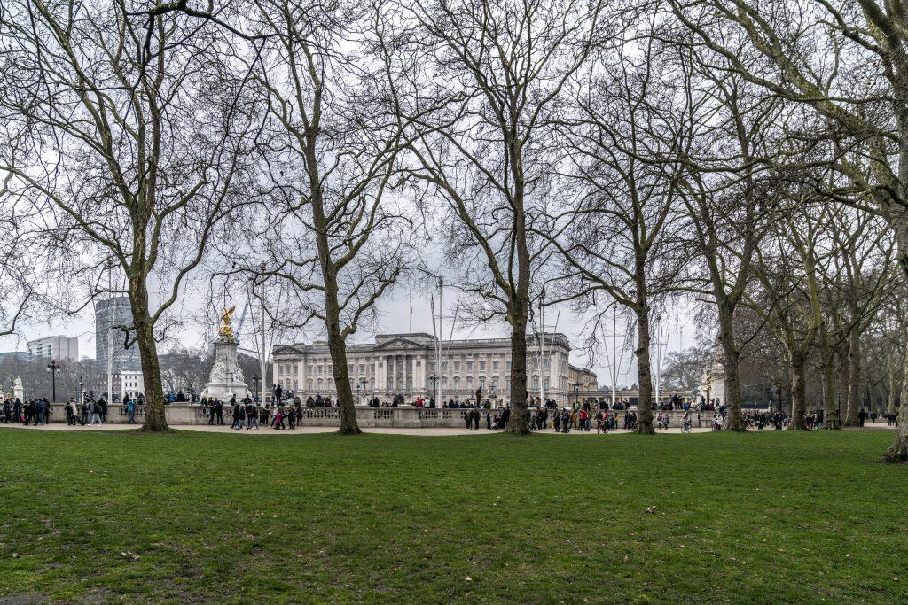 LONDRA – SUI LUOGHI DELLA SERIE NERFLIX THECROWN