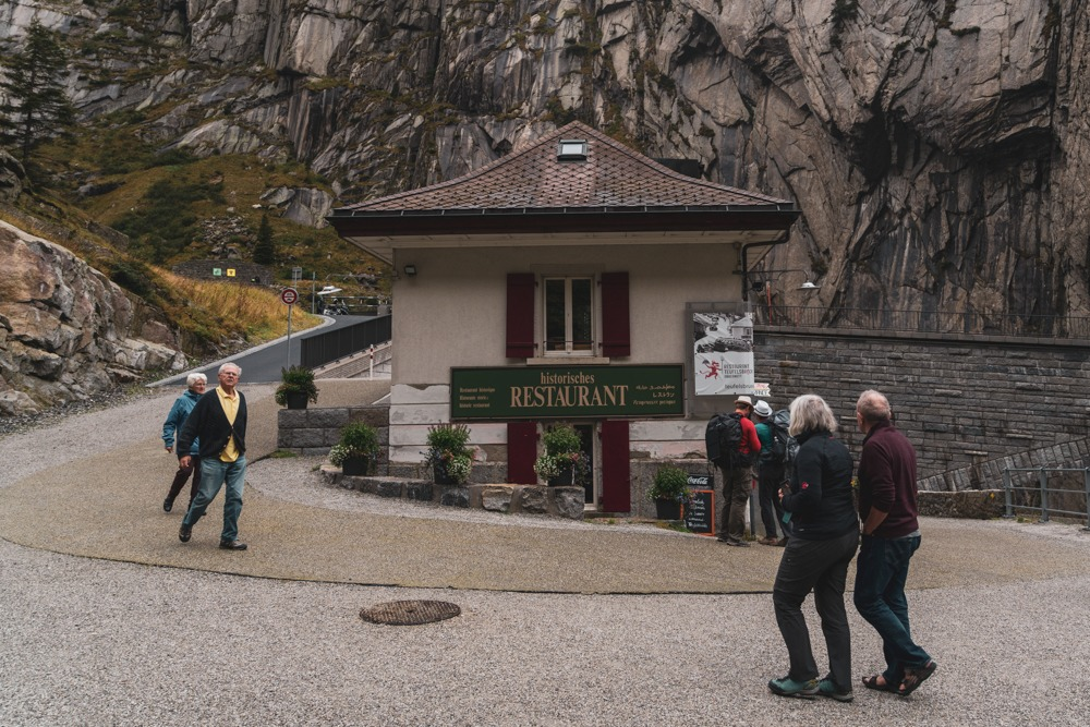 ristorante storico Teufelsbrücke, SVIZZERA – ESCURSIONE DELLA GOLA SCHÖLLENEN